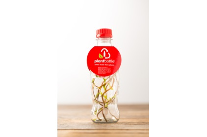 Coca-Cola Produces Worldâ??s First PET Bottle Made Entirely from Plants