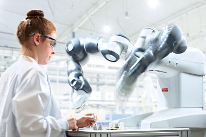 ABB â?? first global industrial robotics company to manufacture robots in the United States