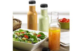 PET bottle for sauces mimics glass attributes